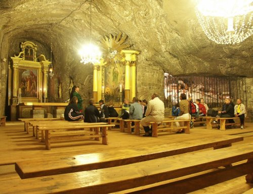 Bochnia salt mine chapel